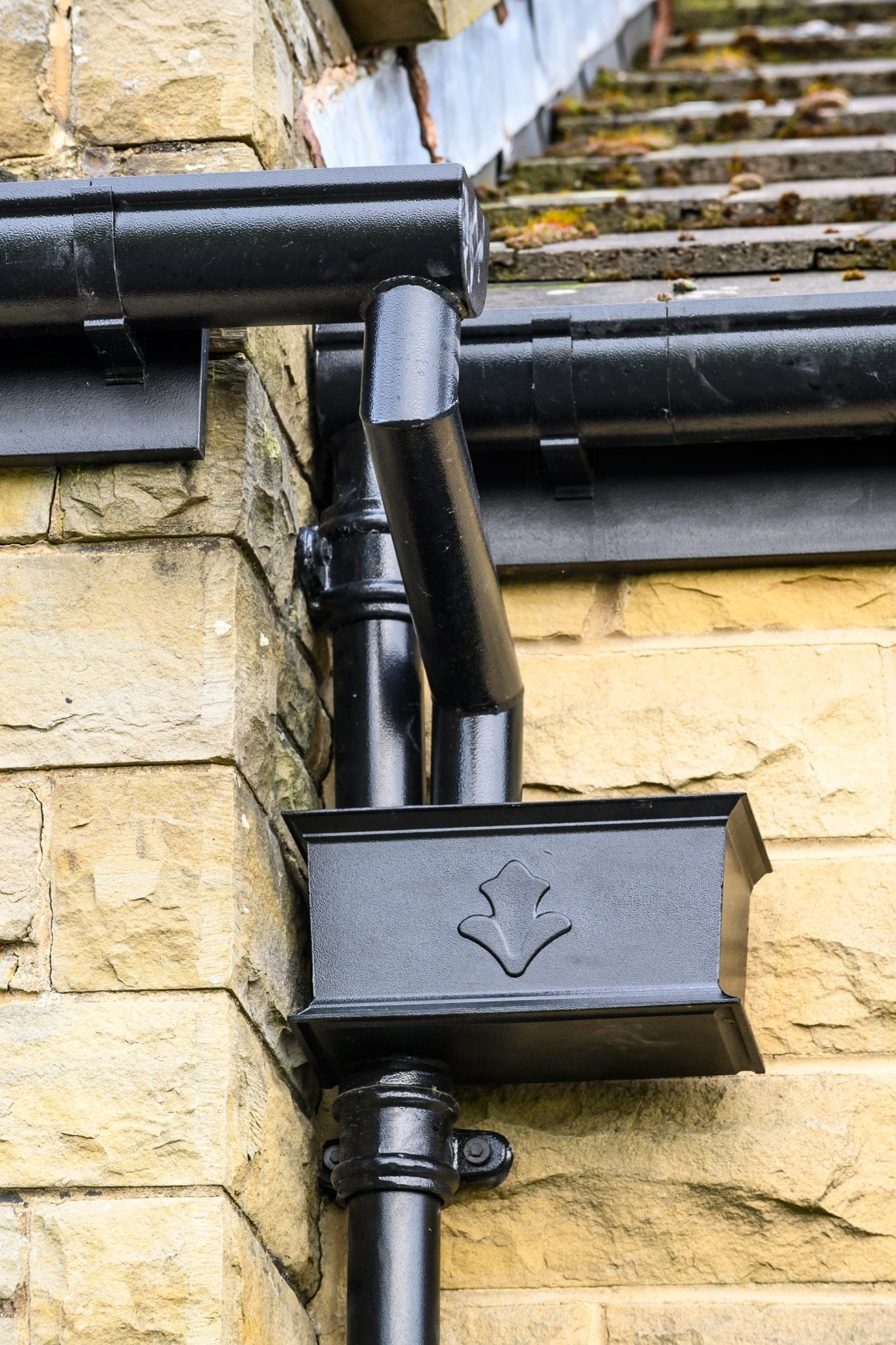 Signs It's Time To Replace Your Guttering